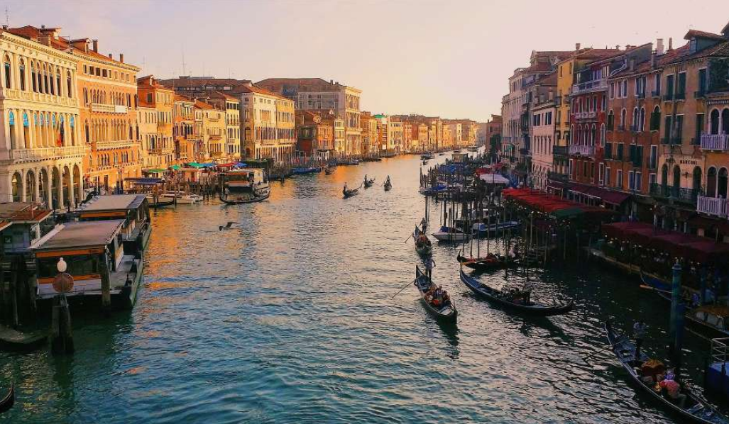 Unique Experiences In Venice - Shopping Experience And Bacaro Tour
