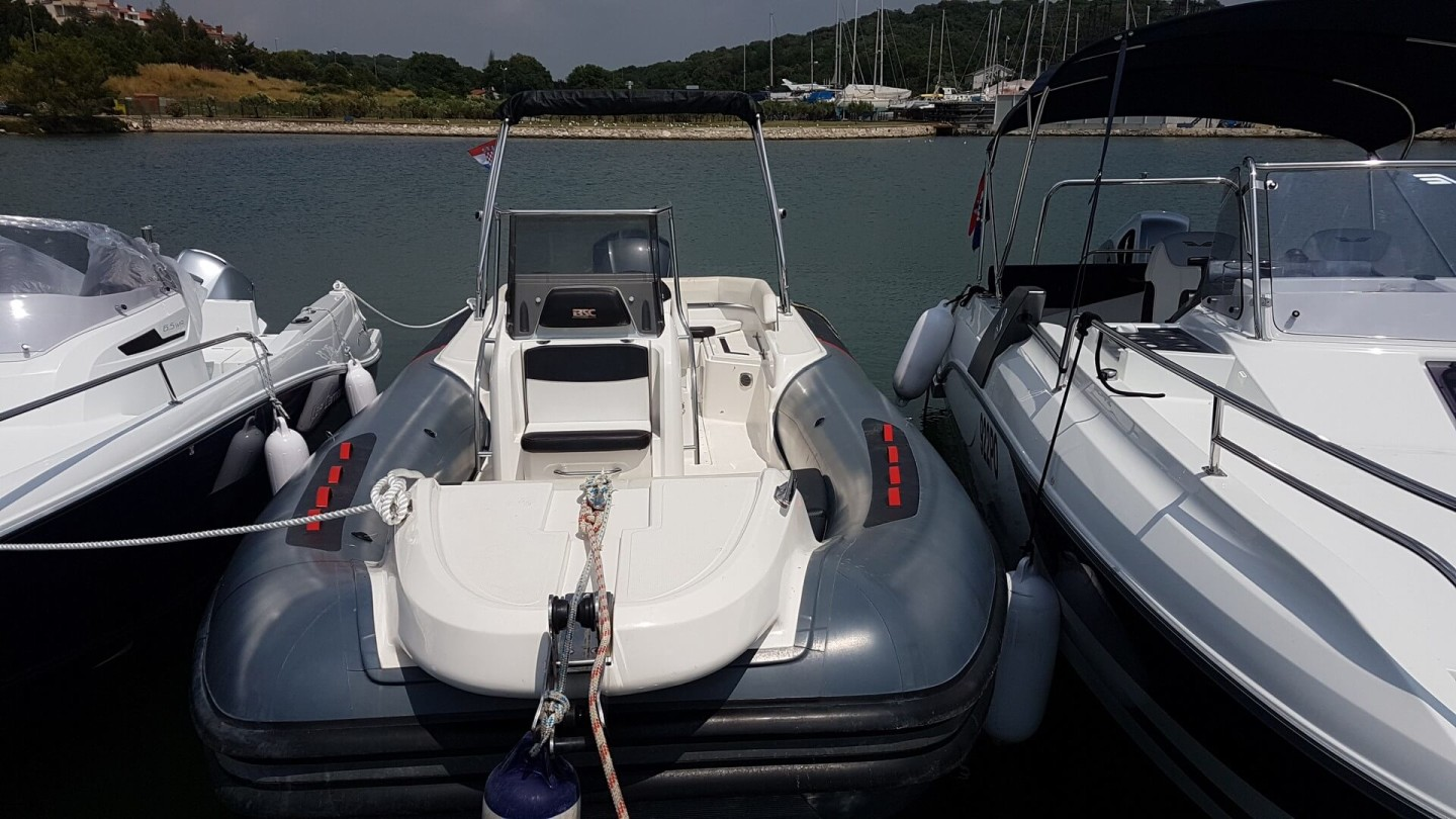 BSC 75 sport 6 motor boat croatia istira pula yamaha rent chater for a day