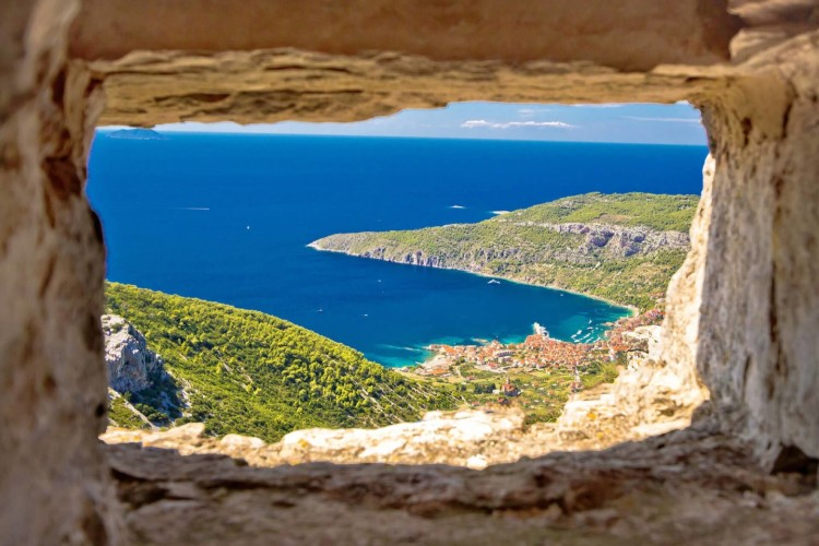 komiza summer views from the top daily sailing trip hvar to vis