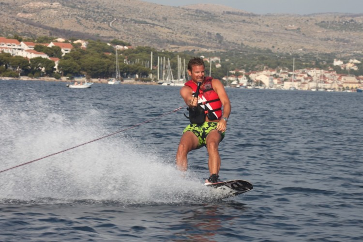 wakeboarding daily yacht cruises