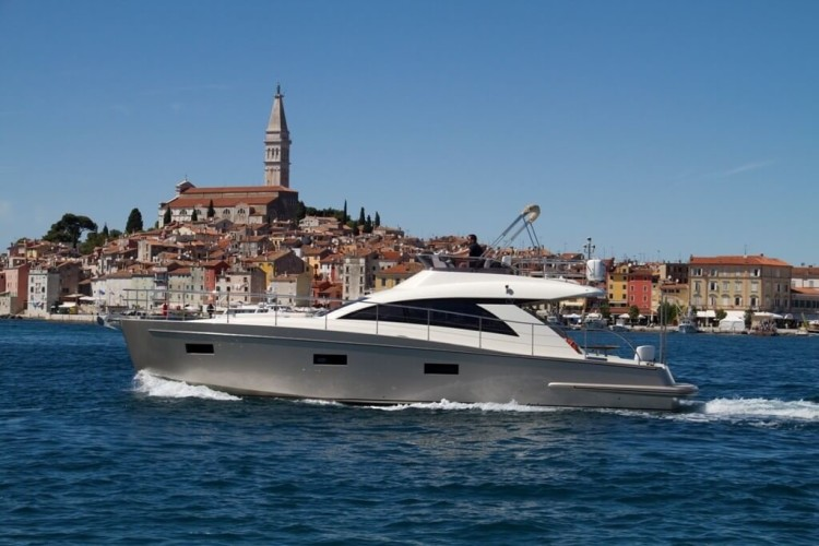 Cyrus 13.8 Flybridge 2 luxury yacht charter croatia paddle surfing private croatia honneymoon