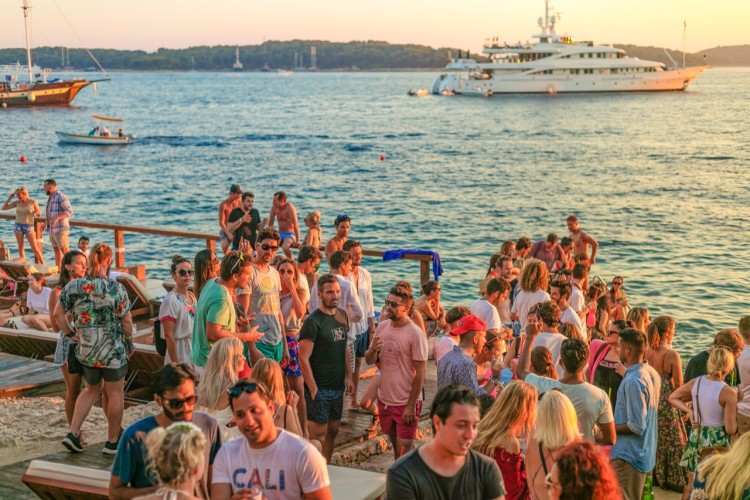 hula hula party yacht4day boat parties perfect beach sunset party luxury yachts