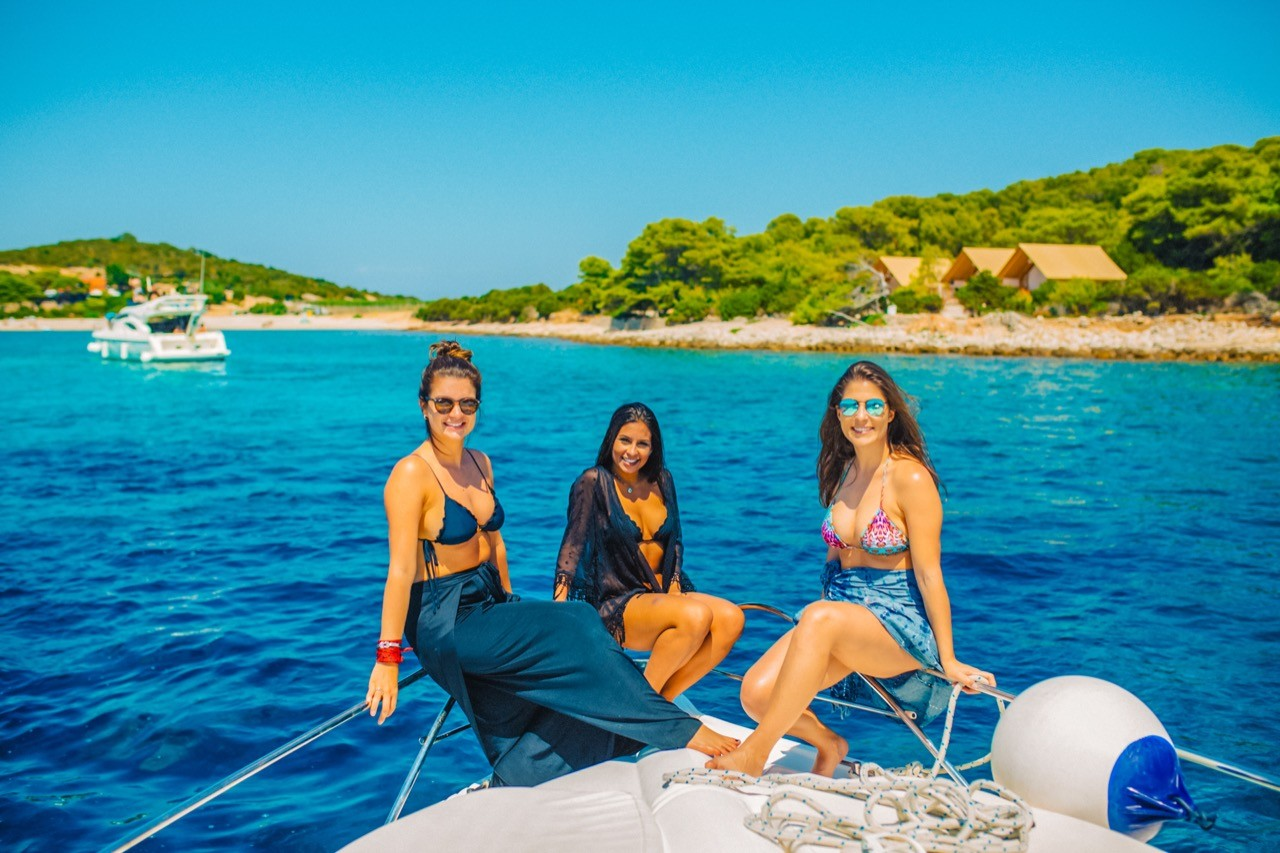 ladies enjoying the croatian yachting summer cruise