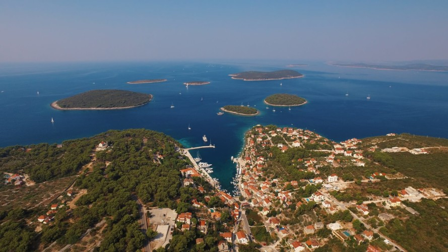 sail croatia boat charter for a day diving croatia solta