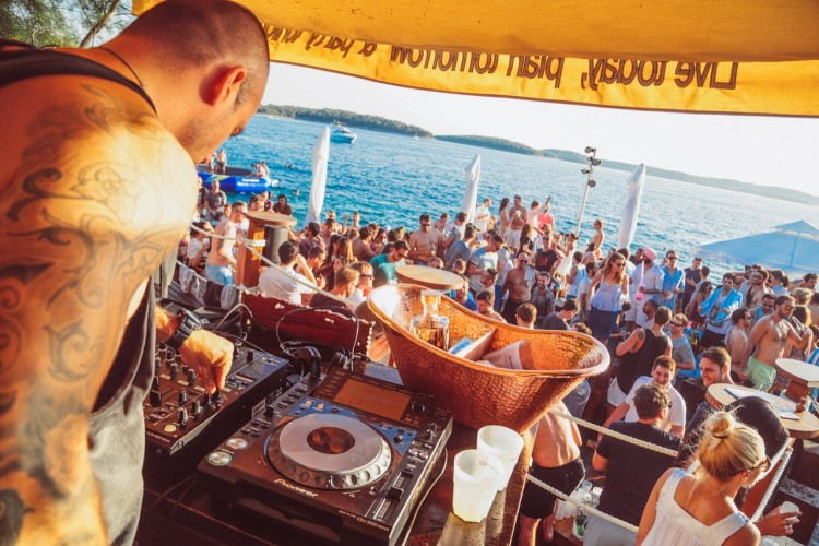 hula hula beach parties house deep house beach parties daily yacht rentals dj party hard