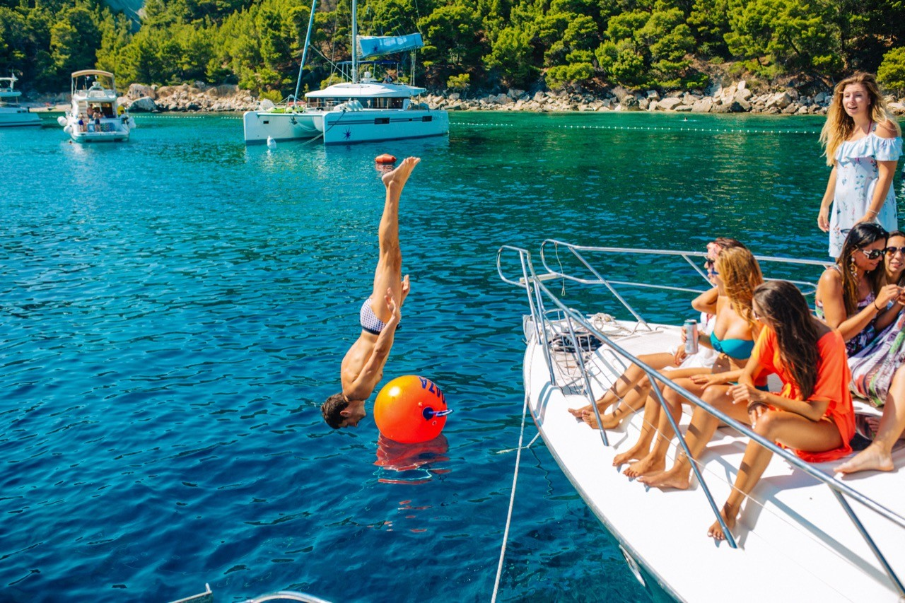 hvar-luxury-motoryacht-hedonism-party-day-cruise-sea-summer-croatia-split-region