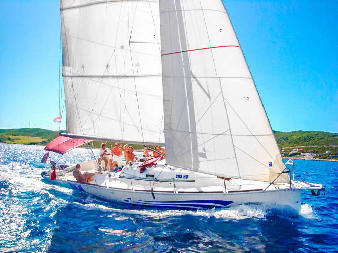 hvar stag sailing party hen party friends sport activities