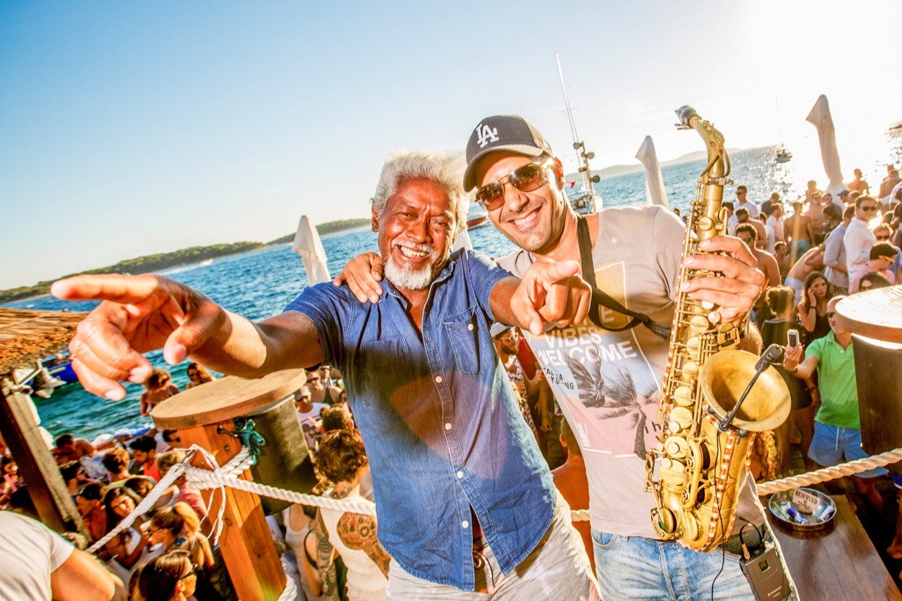 beach party fun summer vibes yacht cruises
