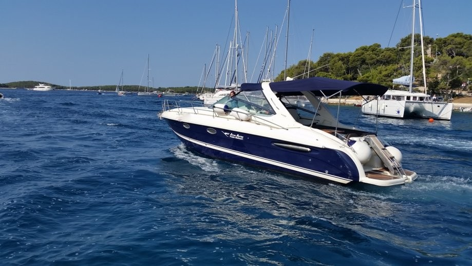 airon marine 325 slika rent boat for day in split family and friends