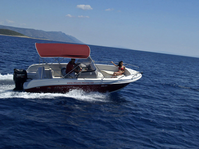 Atlantic 670 Open daily speedboat rental family and friends cruises