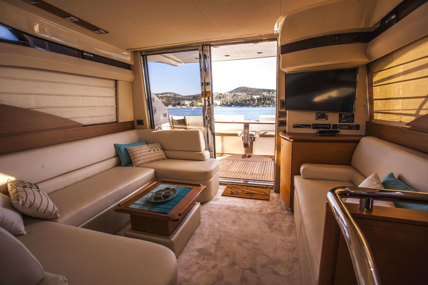 azimut 43 dubrovnik 30 luxury yacht saloon living area