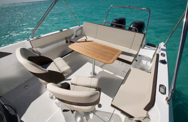 Beneteau Flyer 7.7 split day boat daily to do in split