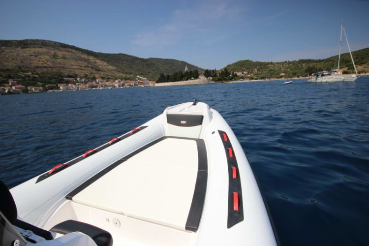 BSC 70 Sport sailing for daily speedboat rental cruise