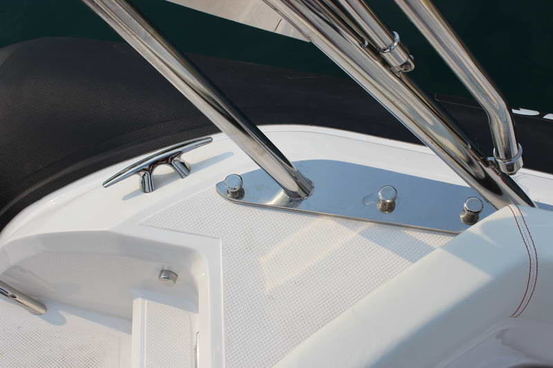 BSC 70 Sport sailing for day rent speedboat