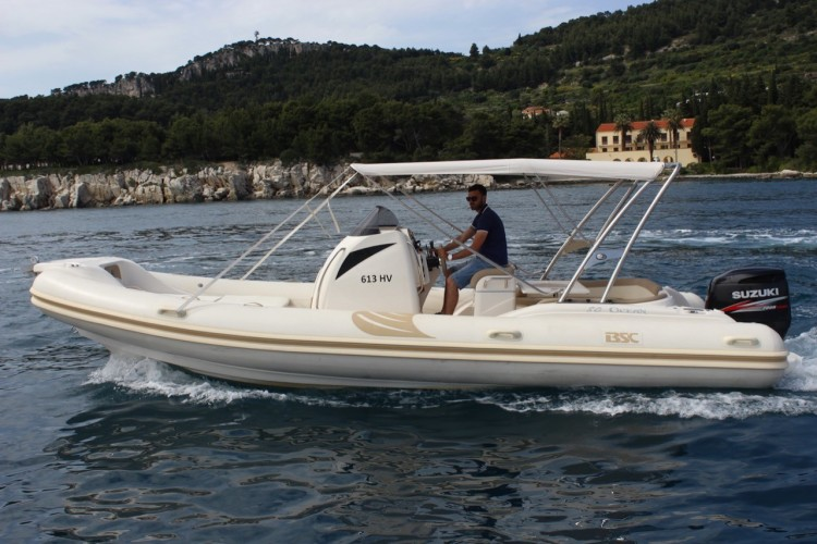 BSC 80 speedboat rental in split hopping islands daily cruise