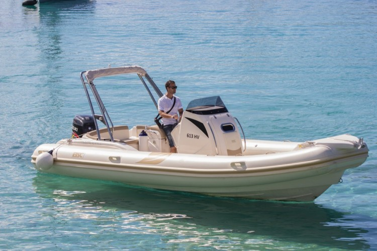 BSC 80 speedboat rental in split sea summer daily cruise
