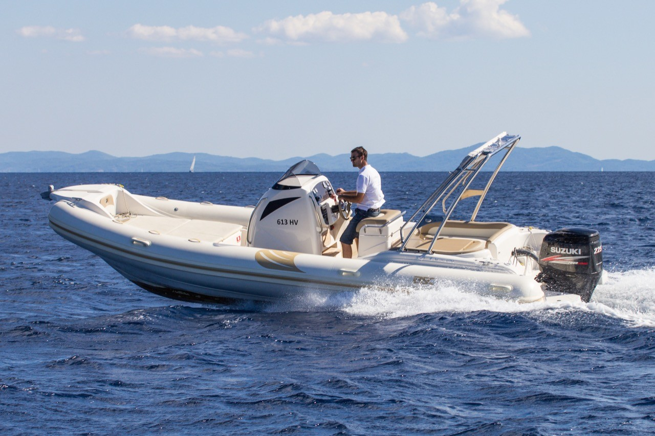 BSC 80 speedboat rental in split to do region with family