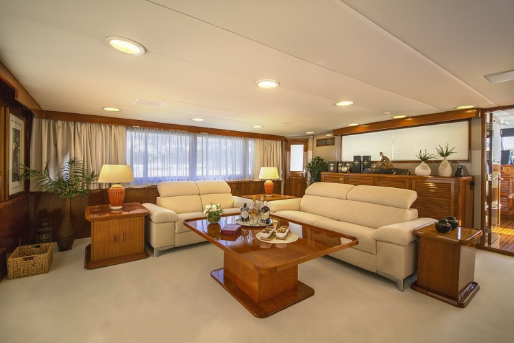 burger 105 daily split luxury motor yacht rental design of luxury and hedonism