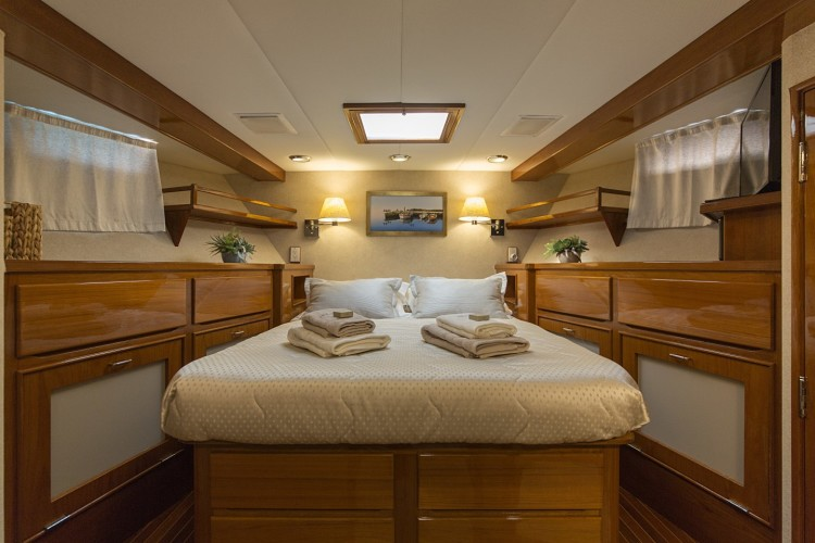 burger 105 daily split luxury motor yacht rental style and luxury