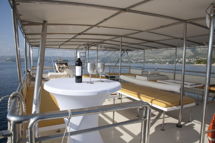 epidaurump catamaran yachting daily tour drink and enjoy