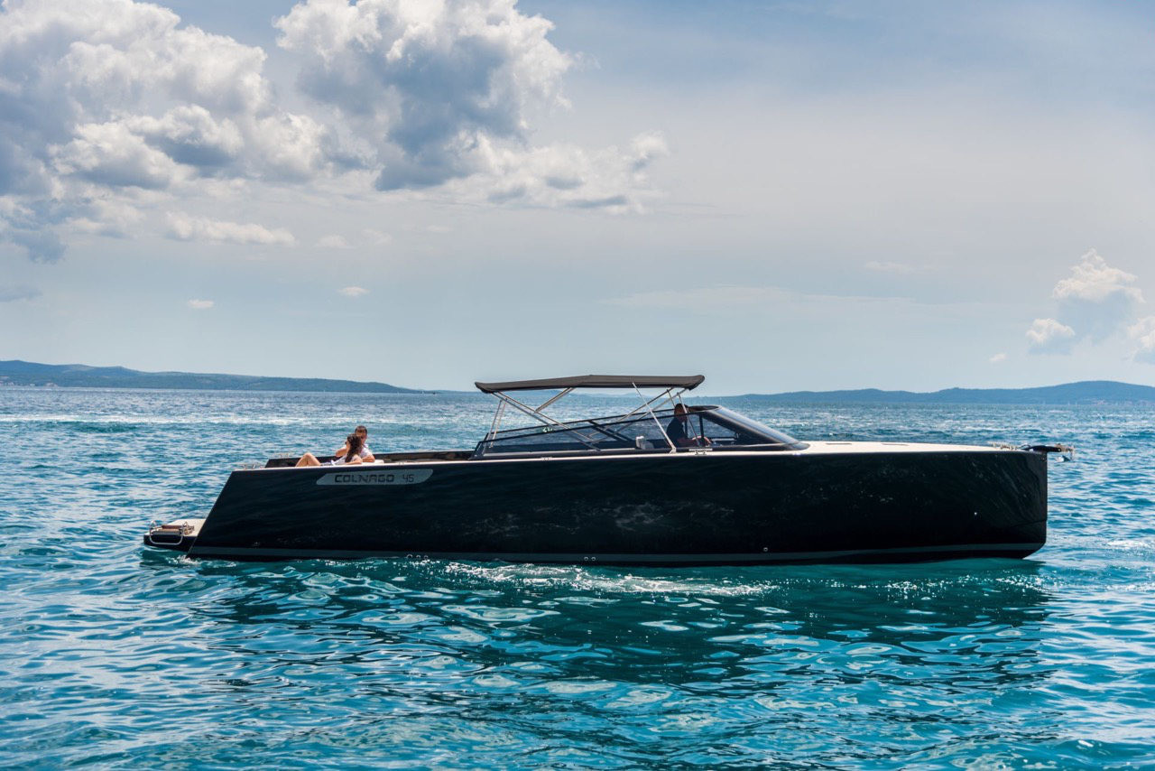 Colnago 45 rent luxurt motor yacht for a day in split hedonism boat rental