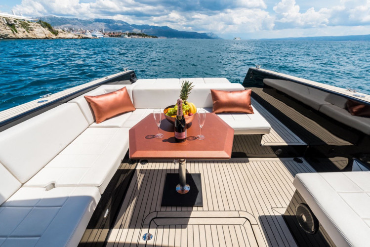 Colnago 45 rent luxurt motor yacht for a day in split luxury and hedonism
