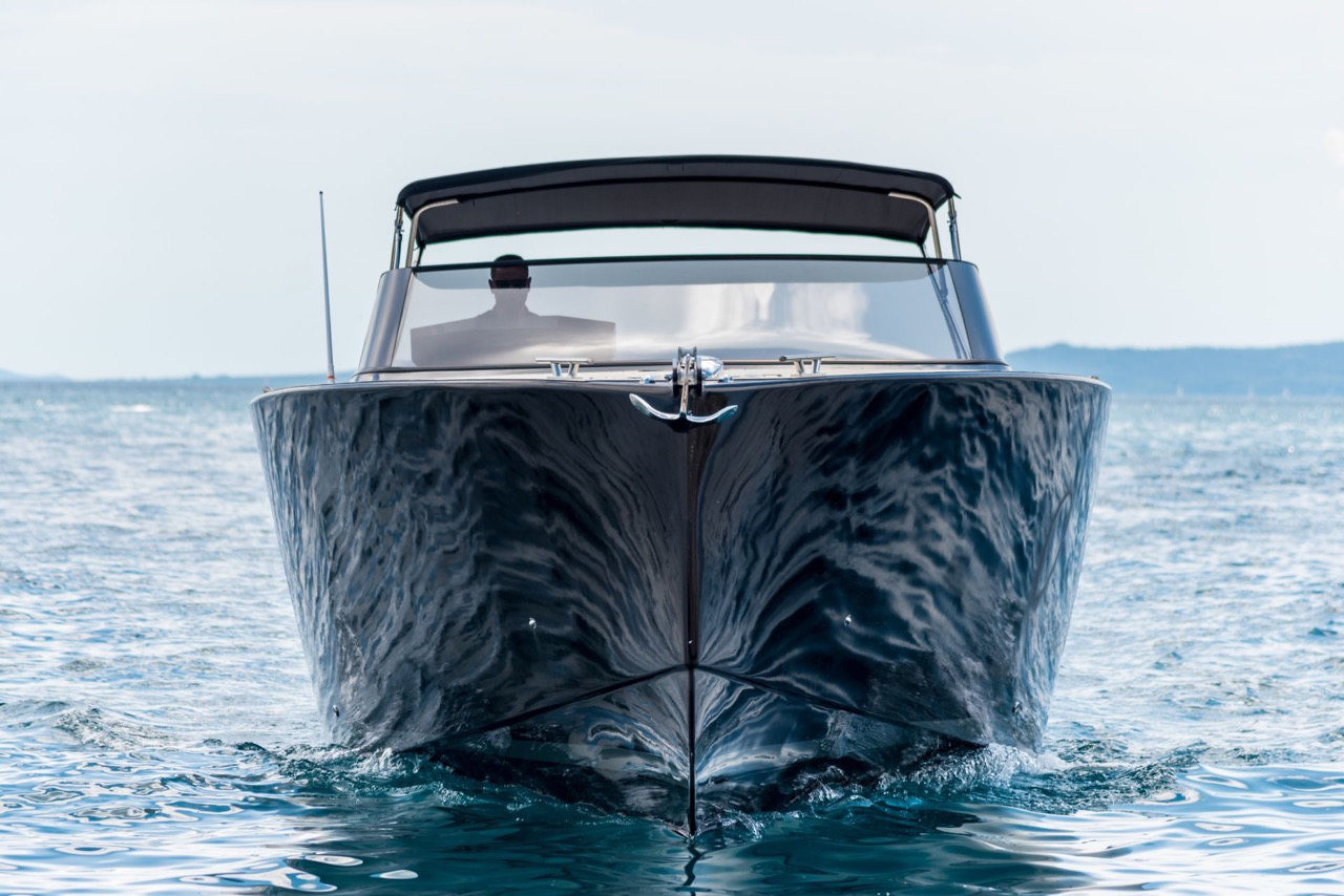 Colnago 45 rent luxurt motor yacht for a day in split speed and island hopping