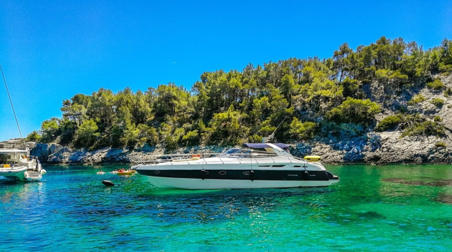 cranchi 50 sailing holiday croatia speed boat croatia hvar (1)