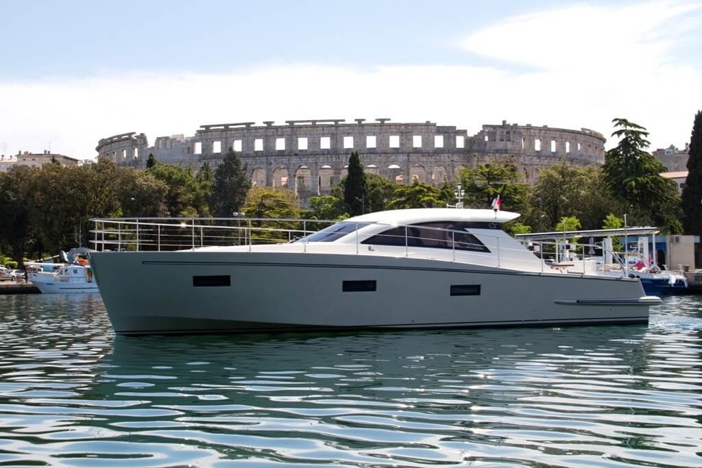 Cyrus 13 Hardtop 1 pula luxury yacht rental croatia mega surfing paddle diving party charter