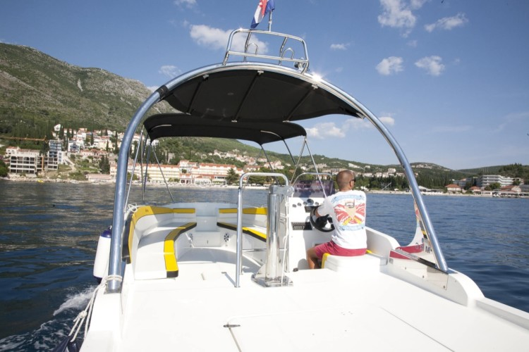excursion 32 dubrovnik yachting daily space and relax