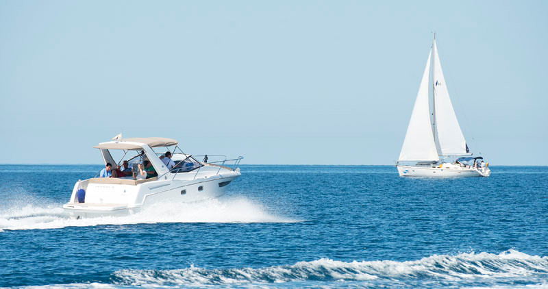Jeanneau Leader 8 rental for day dubrovnik crystal clear sea