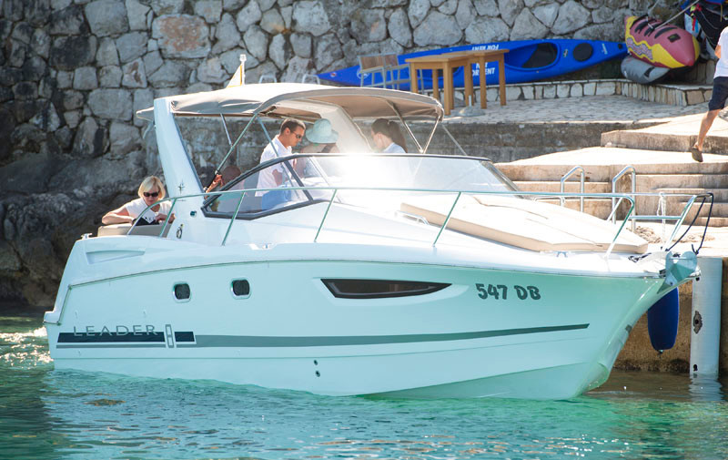 Jeanneau Leader 8 rental for day dubrovnik relax and uwind