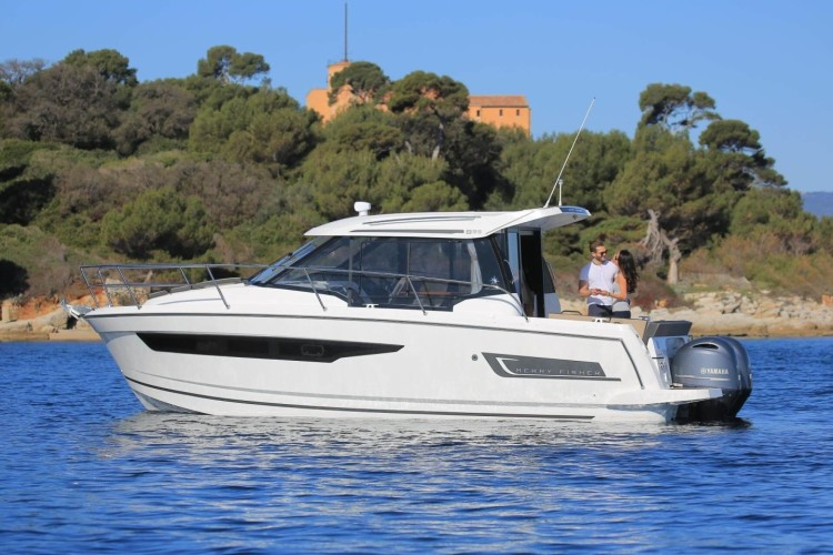 Jeanneau Merry Fisher 895 3 croatia istria pula adriatic croatia yacht rental party boat rental honda