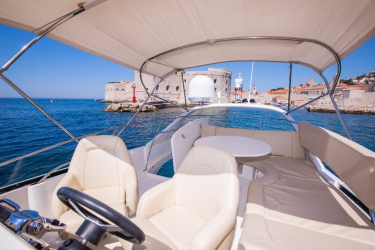 jeanneau prestige 42 enjoy the company of friends and family on the flybridge