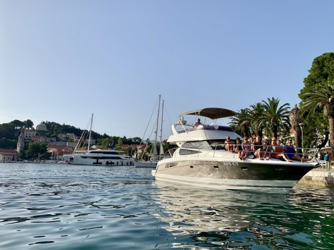 Jeanneau Prestige 440 Fly dubrovnik yachting daily experiences marina