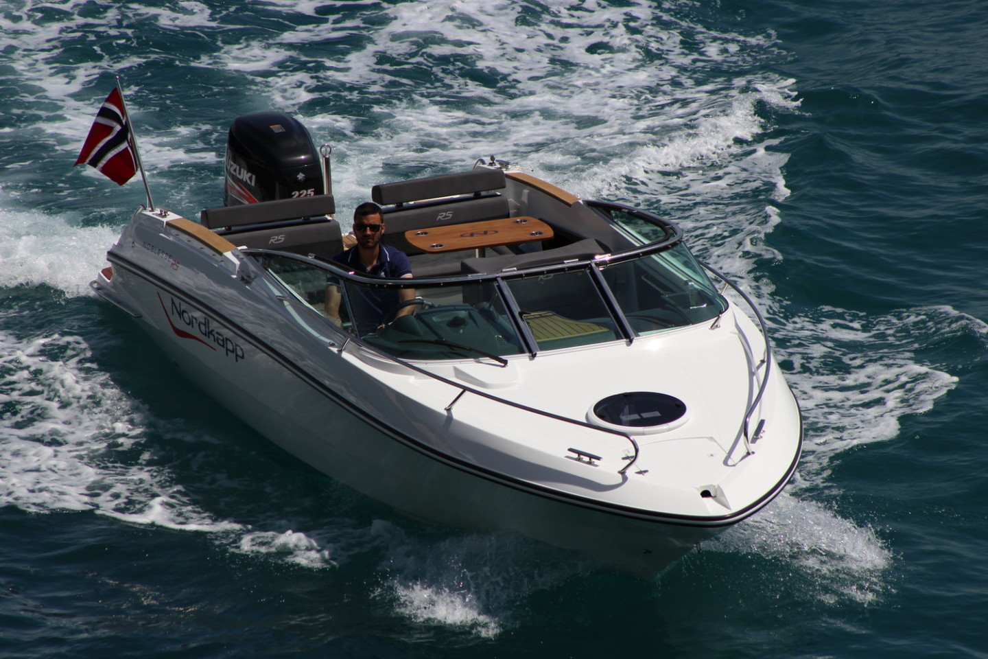 Nordkapp Noblesse 820 RS summer rent a boat for a day speedboat daily getaway in summer