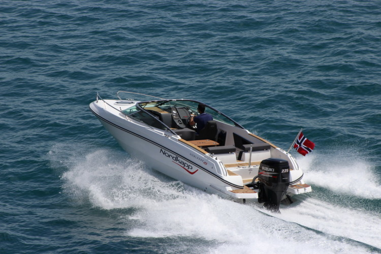 Nordkapp Noblesse 820 RS summer rent a boat for a day summer in croatia