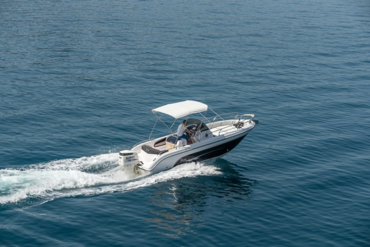 Ranieri Voyager 23S family friends summer on split relax unwind split region daily