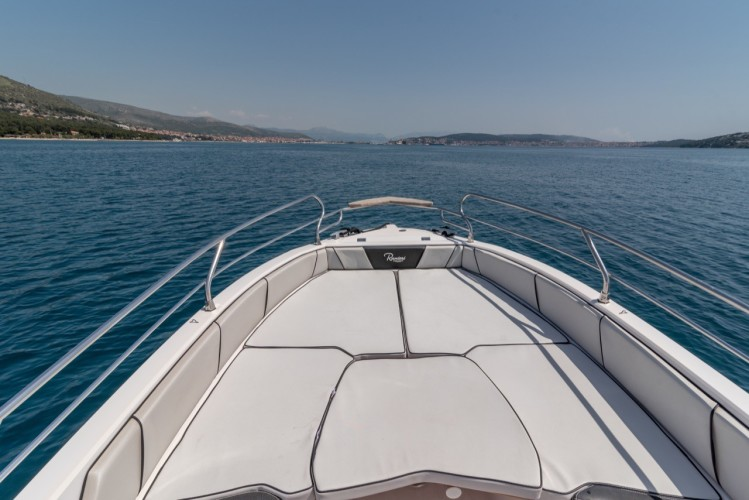 Ranieri Voyager 23S family friends summer on split sundeck sunbath speed