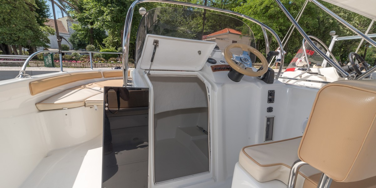 Saver 650 split region to blue lagoon daily tours rent a boat