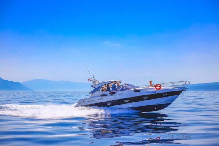 sessa c 42 day boat hire speed boat hire rent a boat hvar croatian islands