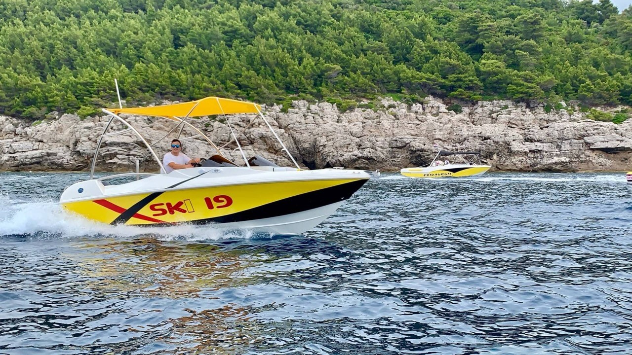 ski 19 dubrovnik daily yachting speedboat cruises